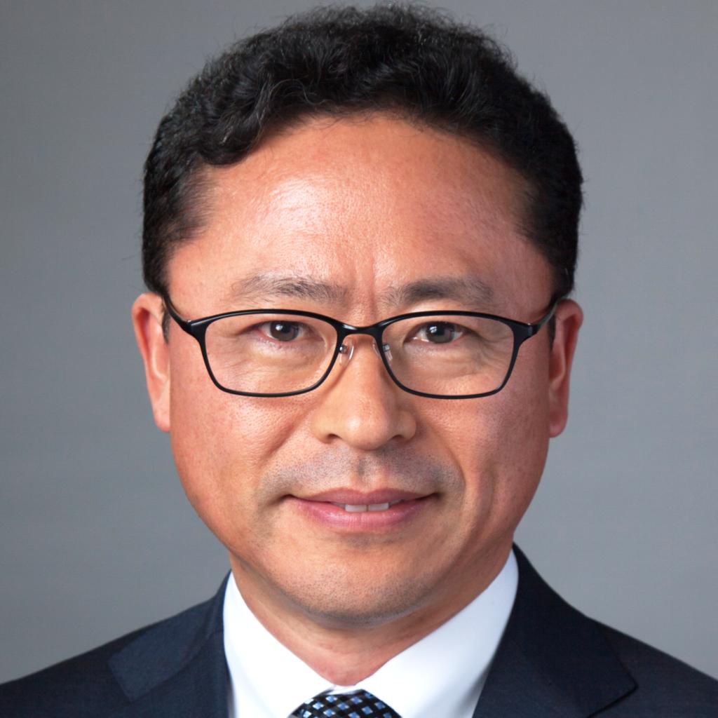 JOHN CHOI Headshot